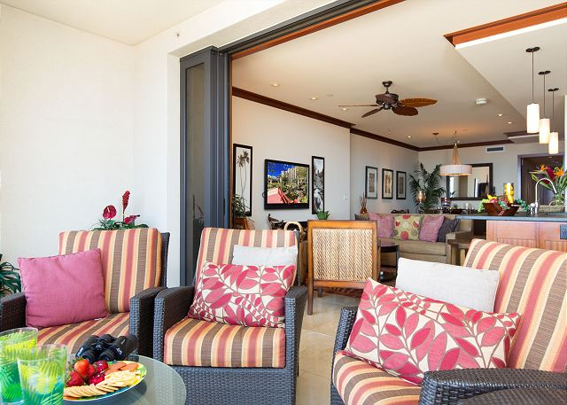 Pocket Lanai Doors Blend Indoor and Outdoor Living