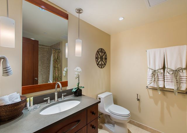 2nd Bathroom has combination shower/tub