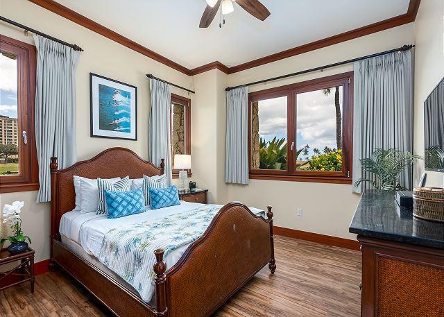 Bedroom 3 with queen