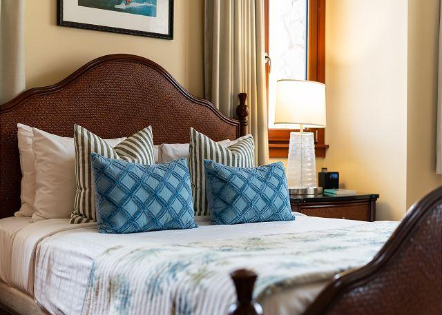 Queen bed in 3rd bedroom