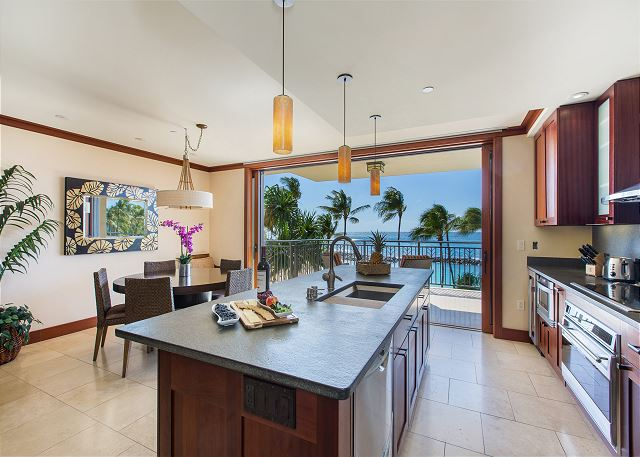 Direct Ocean View from the kitchen!