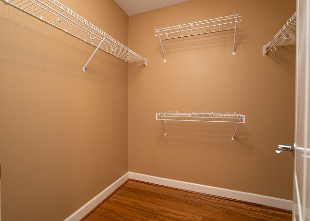 Full Size Walk-in Closet