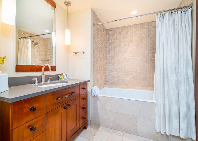 3rd bathroom with tub/shower