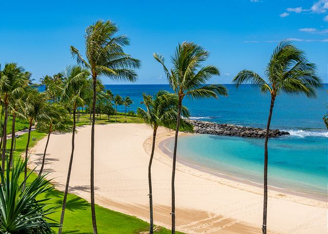 The beach at Ko Olina Lagoon 2