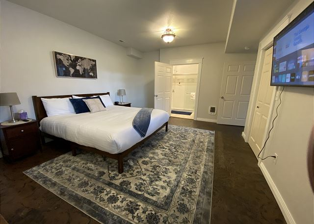 2nd Master: king bed, walk-in closet, smart TV, attached bathroo