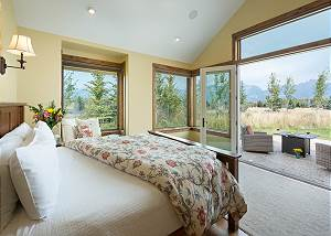 Master Bedroom - King Bed and Private Patio