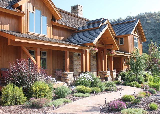 Rendezvous Lodge