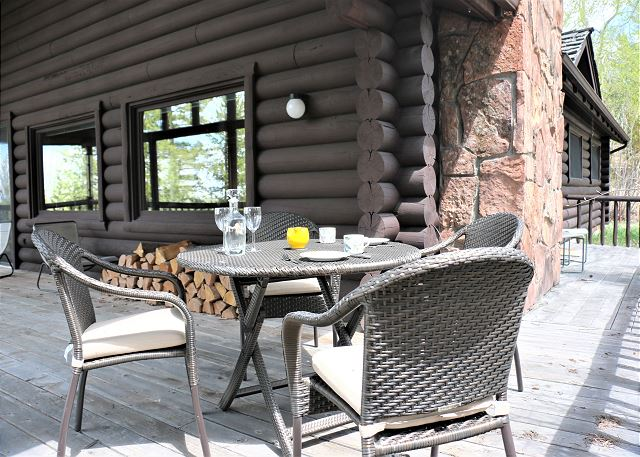 Porch - Seating next to the Cabin