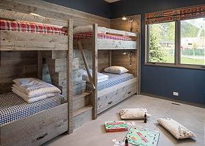 Bunk Room - Four Twin Beds