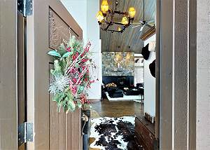 Entrance - Welcome to Luxury!