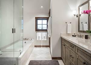 Bunkroom Bathroom - Shower, Bathtub, and Sinks