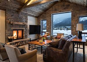 Great Room - Seating and Grand Views