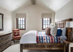 Guest Bedroom - King Bed and Chair