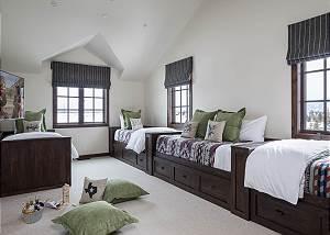 Bunkroom - Beds Retracted