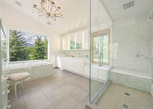 Master Bathroom - Bathe by the Mountains