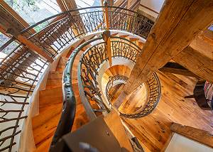 Spiral Staircase - Down to the Floor