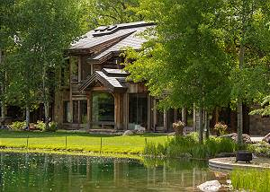 Backyard - Your Own Private Lakefront