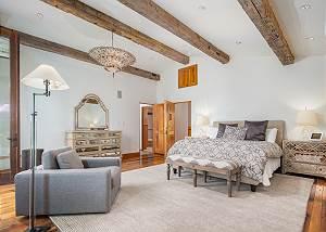 Master Bedroom - Elegant Villa Decor