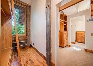 Closet - Walk into Ample Space