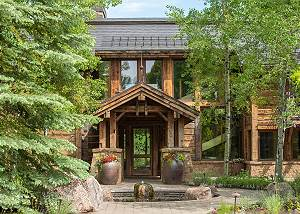 Front Entrance - A Short Walk to Luxury