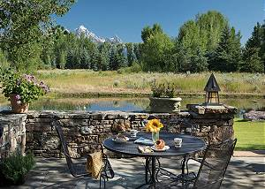 Patio - Table by the Tetons