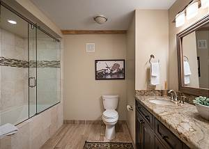 Downstairs Bathroom - Time for a Soak?