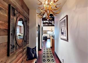 Hallway to Great Room - Penthouse Luxury