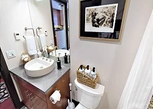 Bathroom - Modern Sink