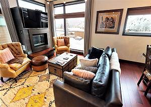 Great Room - Plush Seating and Fireplace