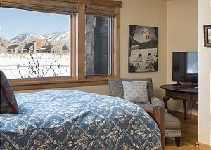 Guest Bedroom - Solitude in Solitude