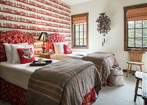 Twin Bedroom - A Charming Sleeping Arrangment