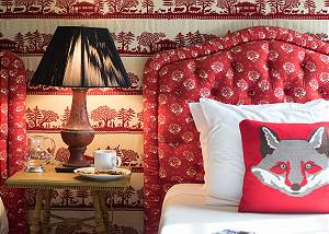 Twin Bedroom - Fine, Foxy Decor