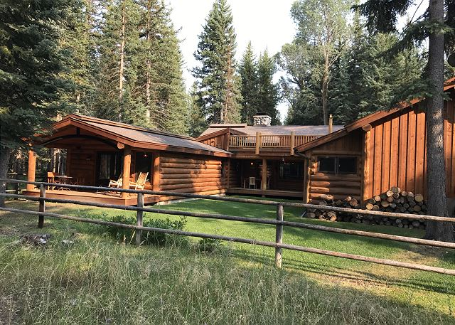 Snake River Woods Lodge