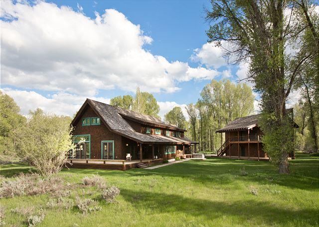 Goldeneye Lodge