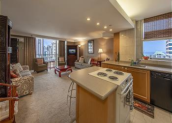 Royal Garden at Waikiki 1800 2br/2ba Presidential Suite - 1K2D