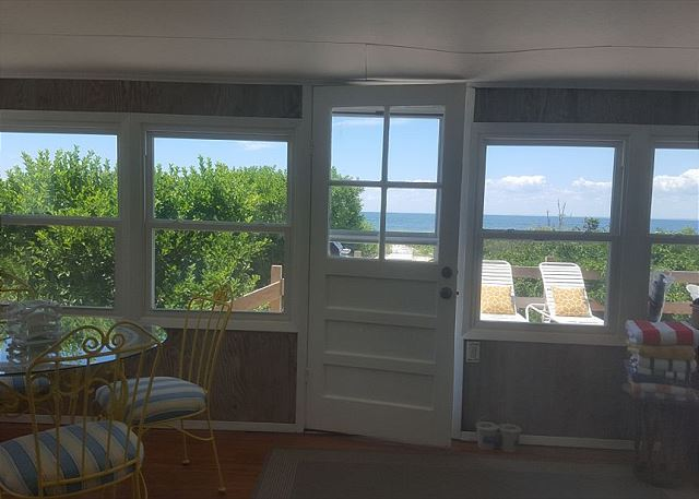 North Fork Beach House--Vineyards, Farmstands, Kayaks & Bikes--Sleeps 6