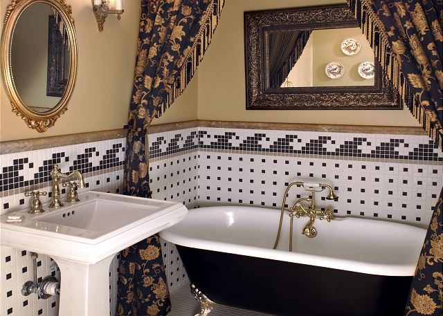 2nd Bathroom with claw foot tub with hand shower