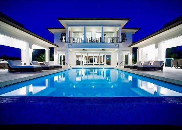 Grand Cayman Villas >> Sun Salutations Exclusive Vacation Villa Rentals Luxury Cayman