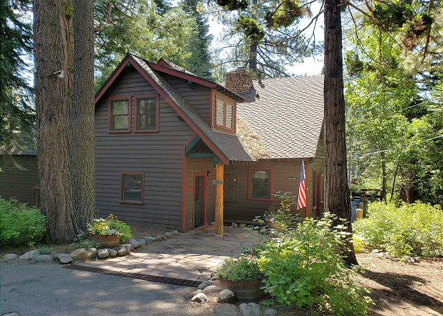 Gage's Charming Olde Tahoe Lodge