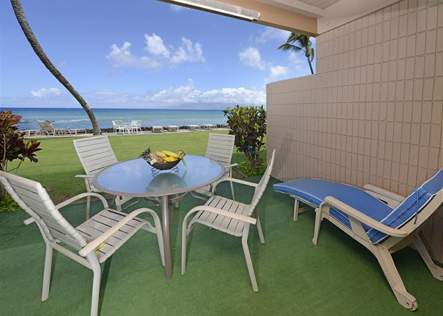 Private lanai! Direct ocean view!