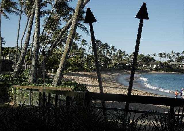 Sea House Restaurant and near by Napili bay