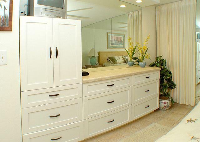 Built in dresser/vanity in bedroom
