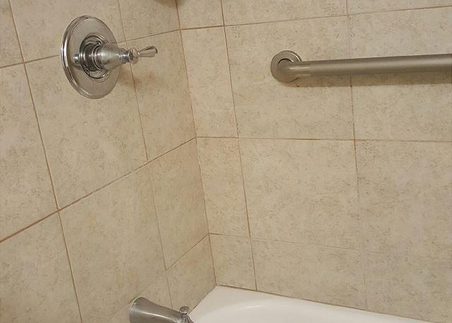 New shower/tub combo