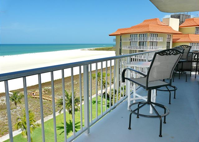 Vacation Rental 140 Seaview Court Unit 1005 North Marco Island FL – Admiralty House Marco Island Floor Plan