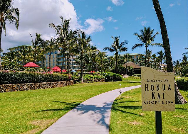 Honua Kai Beach Walkway
