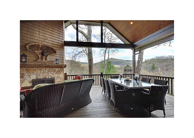 Fresh air, mountain views, fireplace and dining for 8, the perfect place to be
