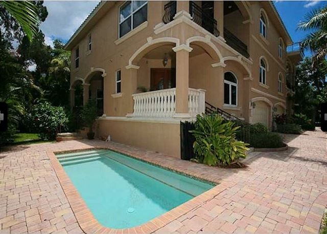Swell Siesta Key Vacation Rental Miramar Rent The Keys Download Free Architecture Designs Scobabritishbridgeorg