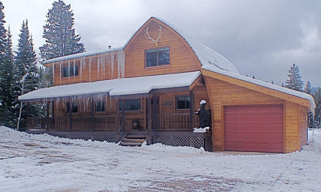 Red Cedar Cabin   West Yellowstone Vacation Rental