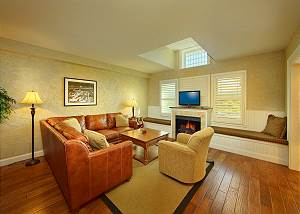 living room in pigeon forge condo