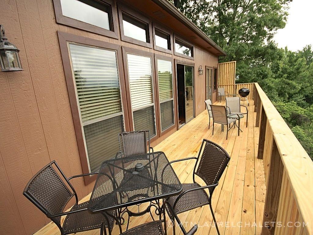 The highlander a 3 bedroom cabin in gatlinburg tennessee for 6 bedroom cabin rentals in gatlinburg tn